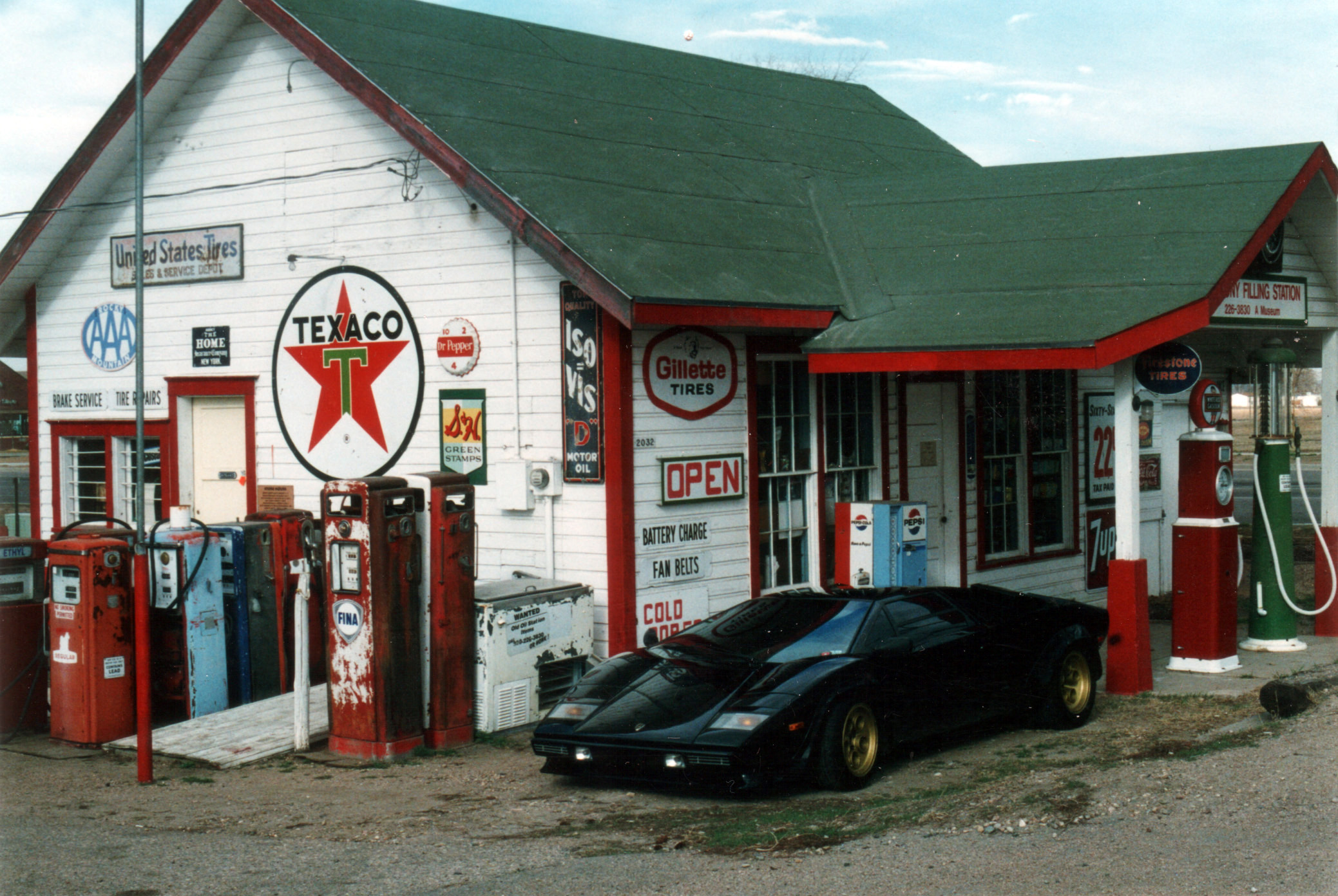 Gas Stations Near Me >> Vintage Service Stations.