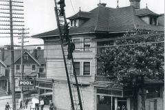 Aug-Sep 2020 - 1899-Hayes-aerial-ladder-truck