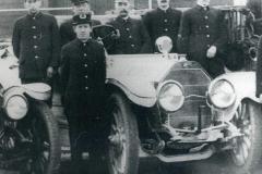 Oct-Nov 2020 -1916-Oldsmobile-hose-wagon