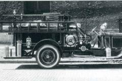 Oct-Nov 2020 -1922-Packard-Twin-Six-triple-combination-pumper