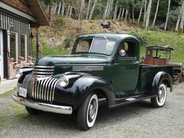 1941-Chevrolet-Jullie-White
